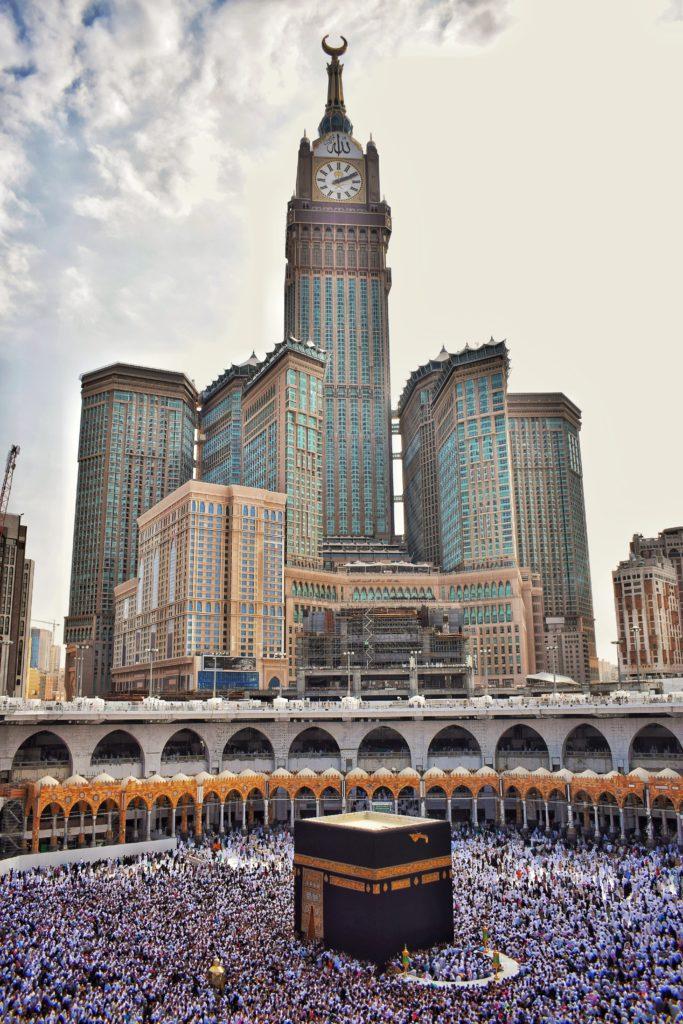 Uhrenturm und Kabaa in Mekka